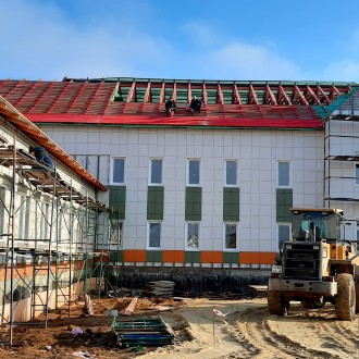 Монтаж вентилируемого фасада детского сада из керамогранита с утеплением в Липецкой области